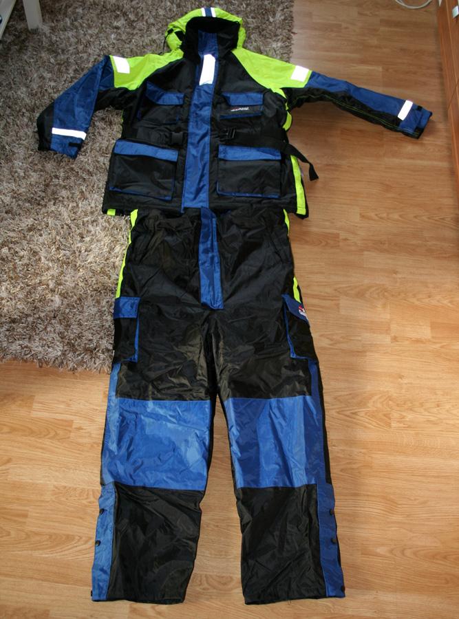 Abu Garcia Schwimmanzug ausgepackt